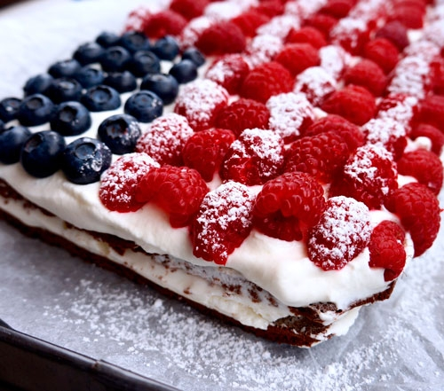 Stars & stripes ice-cream cake